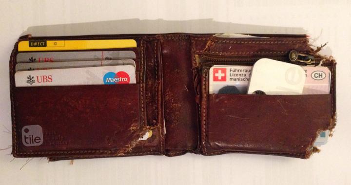 wallet-stolen-weasel-tile